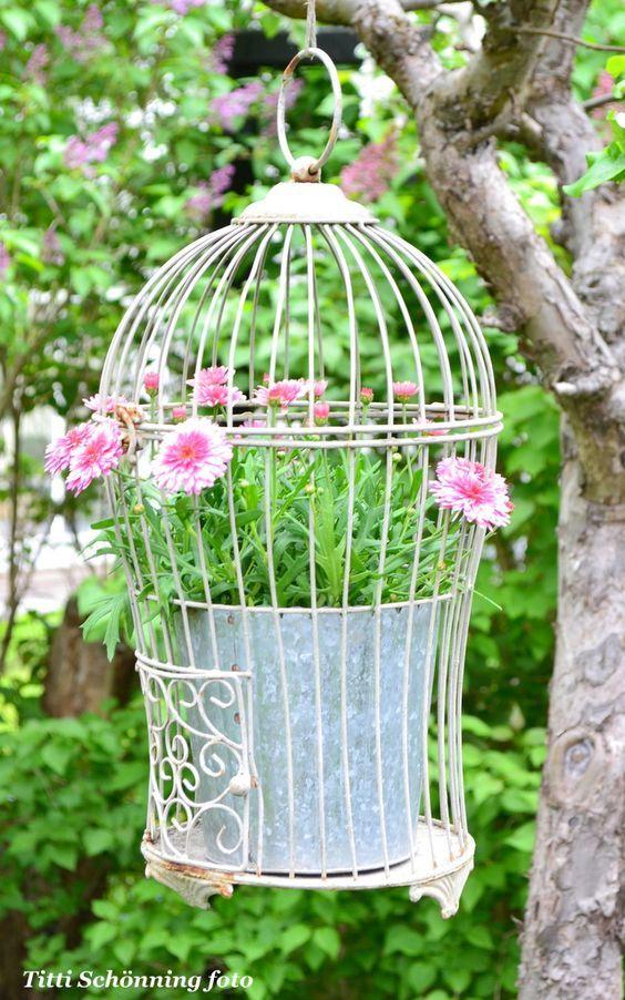 Gerberas-roses-suspension-potée-fleurie