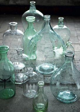 Bouteilles, carafes, flacons et dame jeanne en verre transparent
