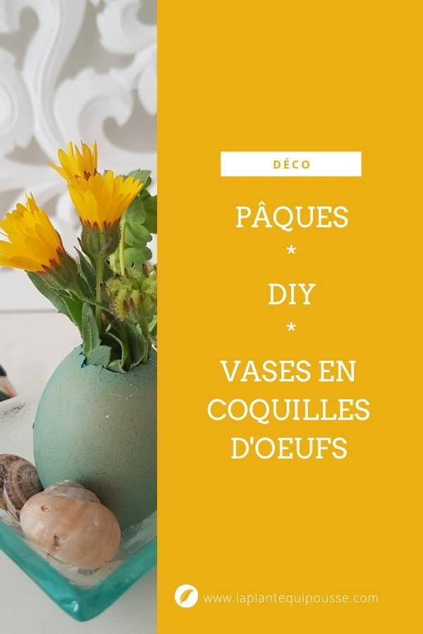 DIY: des mini vases en coquille d'oeuf recyclée contenant des bouquets de petites fleurs. Une déco de Pâques poétique, pas chère, originale et facile. Lisez l'article sur le blog.