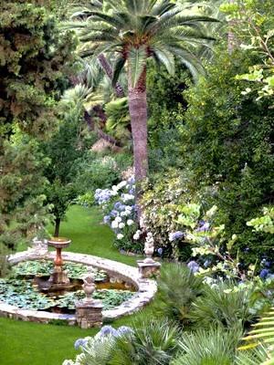 Un jardin anglais en méditerrannée: la villa della Pergola en Italie. Quel est votre style de jardin? Faites le test sur le blog.